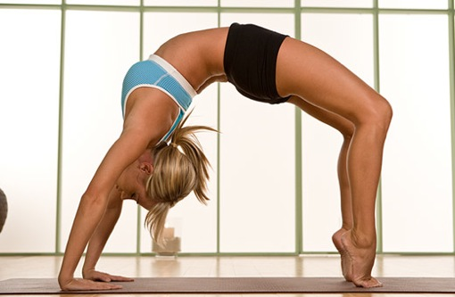 flexible-yoga-girl
